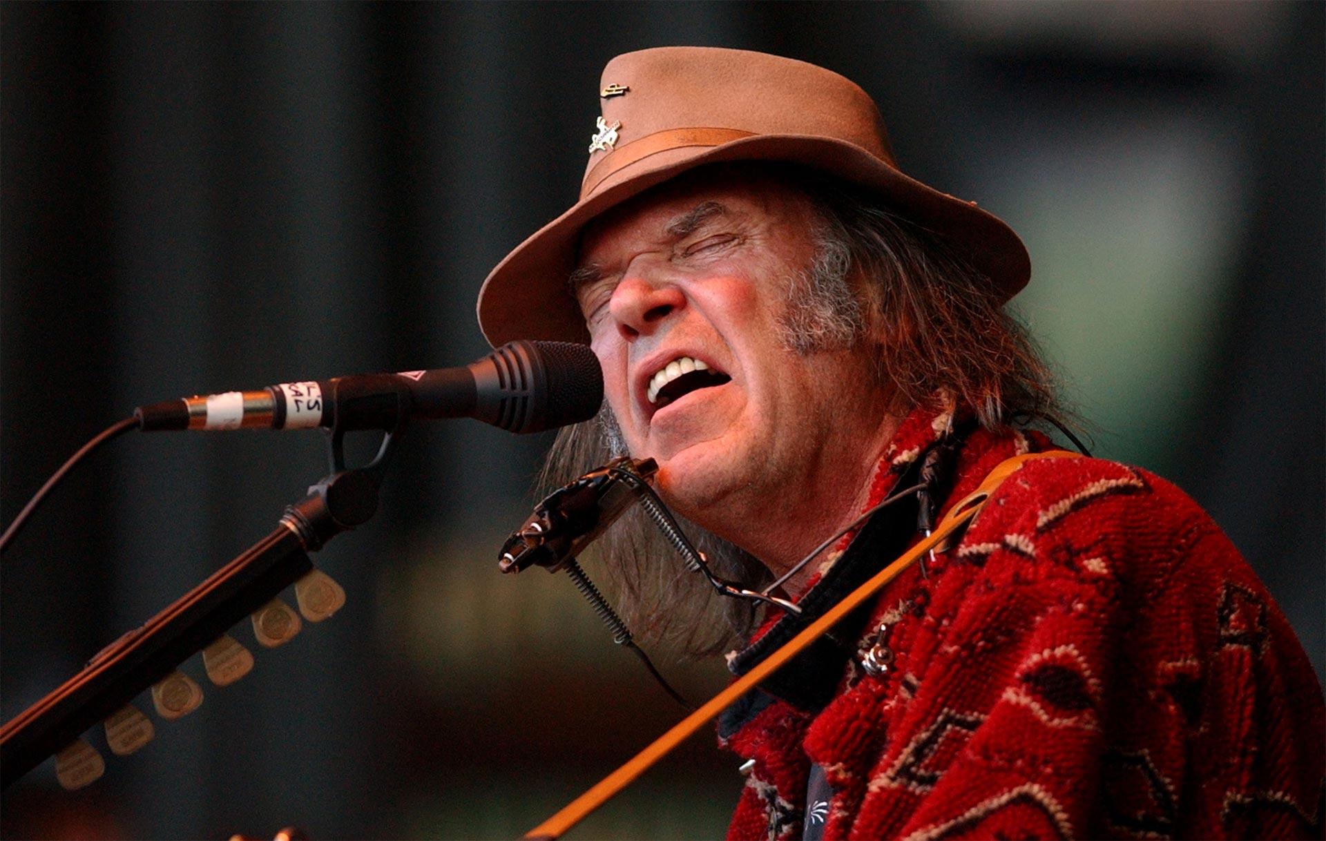 Para resguardar la calidad, Neil Young promovió Pono, su plataforma de alta resolución para escuchar música, sin éxito