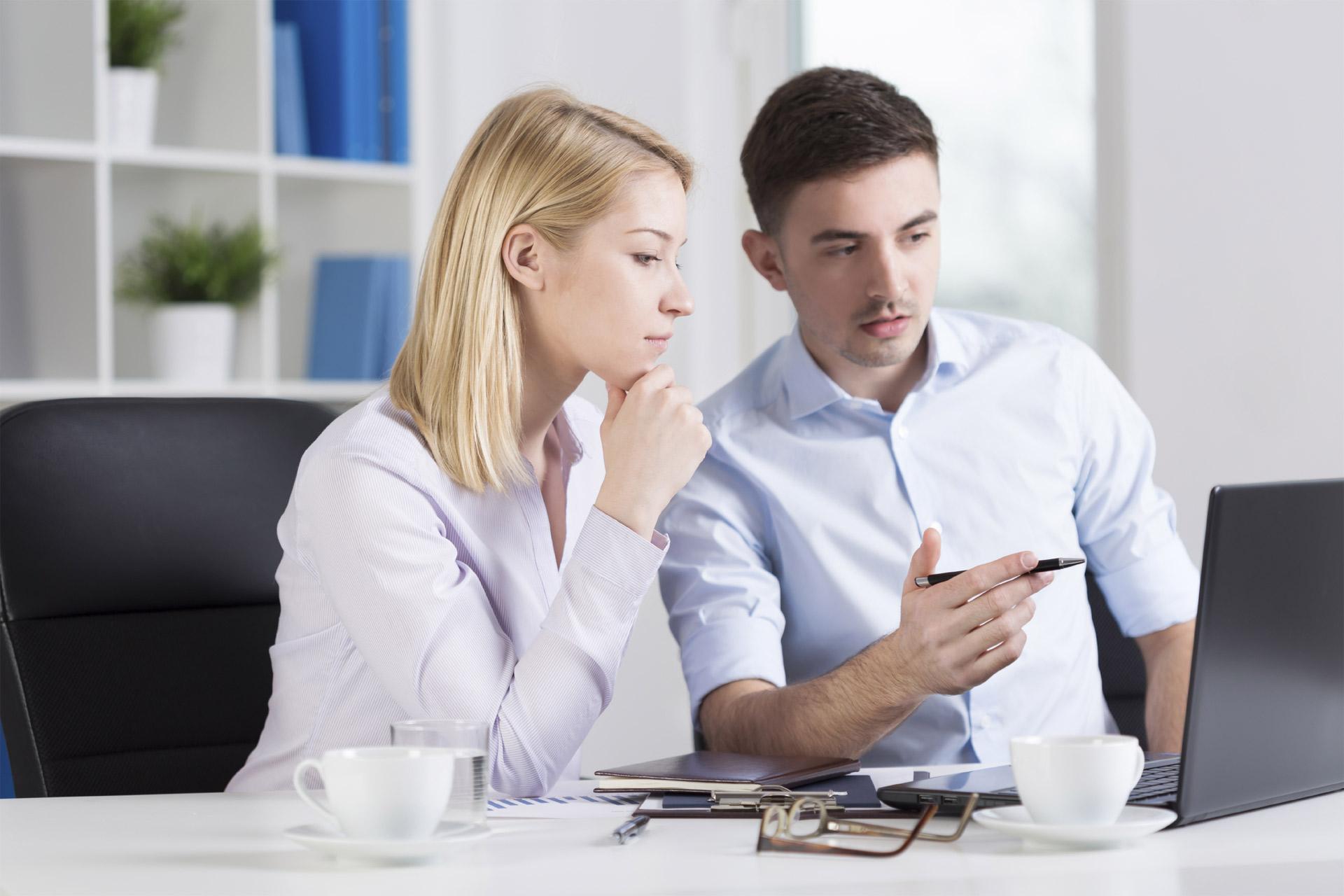 Pedir ayuda debe ser natural al ser humano, pero dentro del entorno laboral se ve como algo negativo