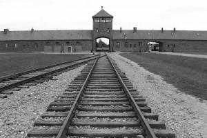 Condenado a 4 años de prisión por su complicidad en la matanza genocida de unos 300 mil judíos