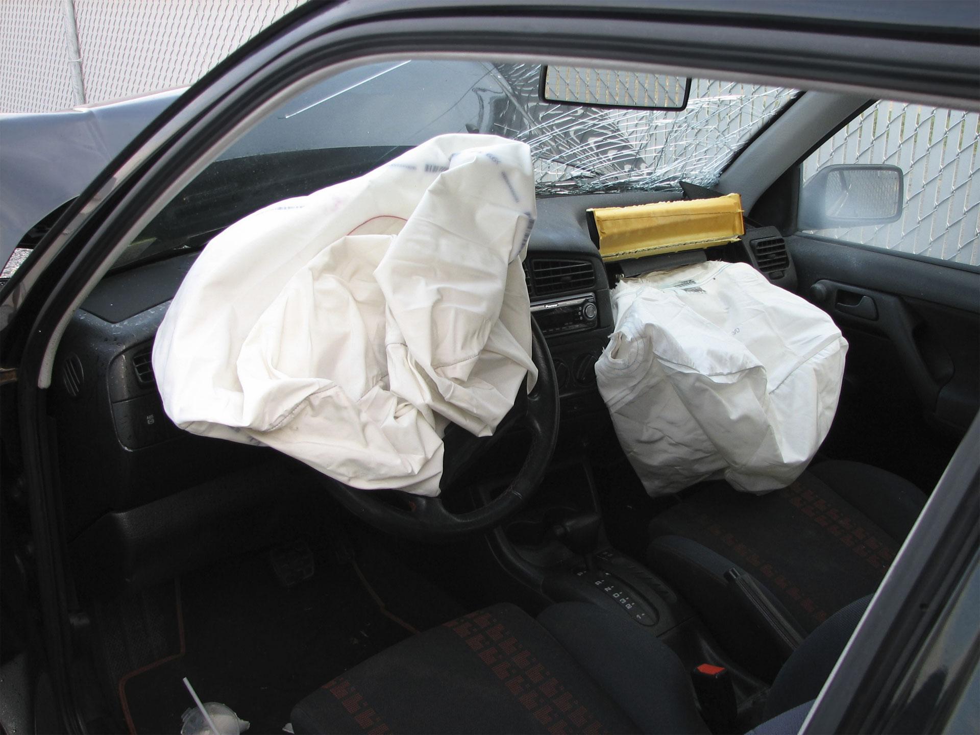A propósito del desperfecto, Doble Llave te ofrece las instrucciones para el uso correcto de la bolsa de aire