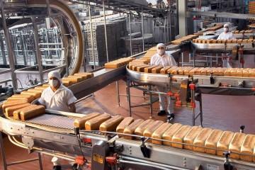 La empresa cerró la adquisición de la firma canadiense Italian Home Bakery