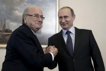 Vladimir Putin lo defendió de todas las acusaciones de corrupción que recibió el ente rector del fútbol