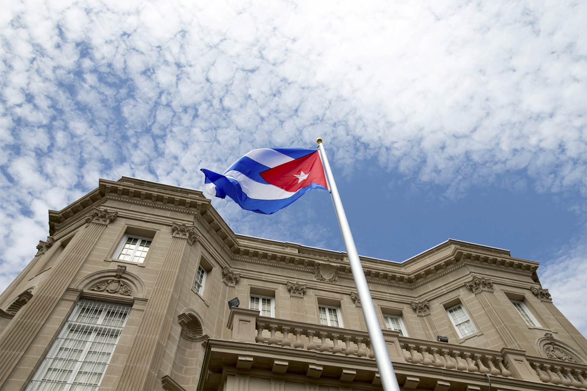 Washington y La Habana retomaron hoy las relaciones diplomáticas que rompieron en enero de 1961