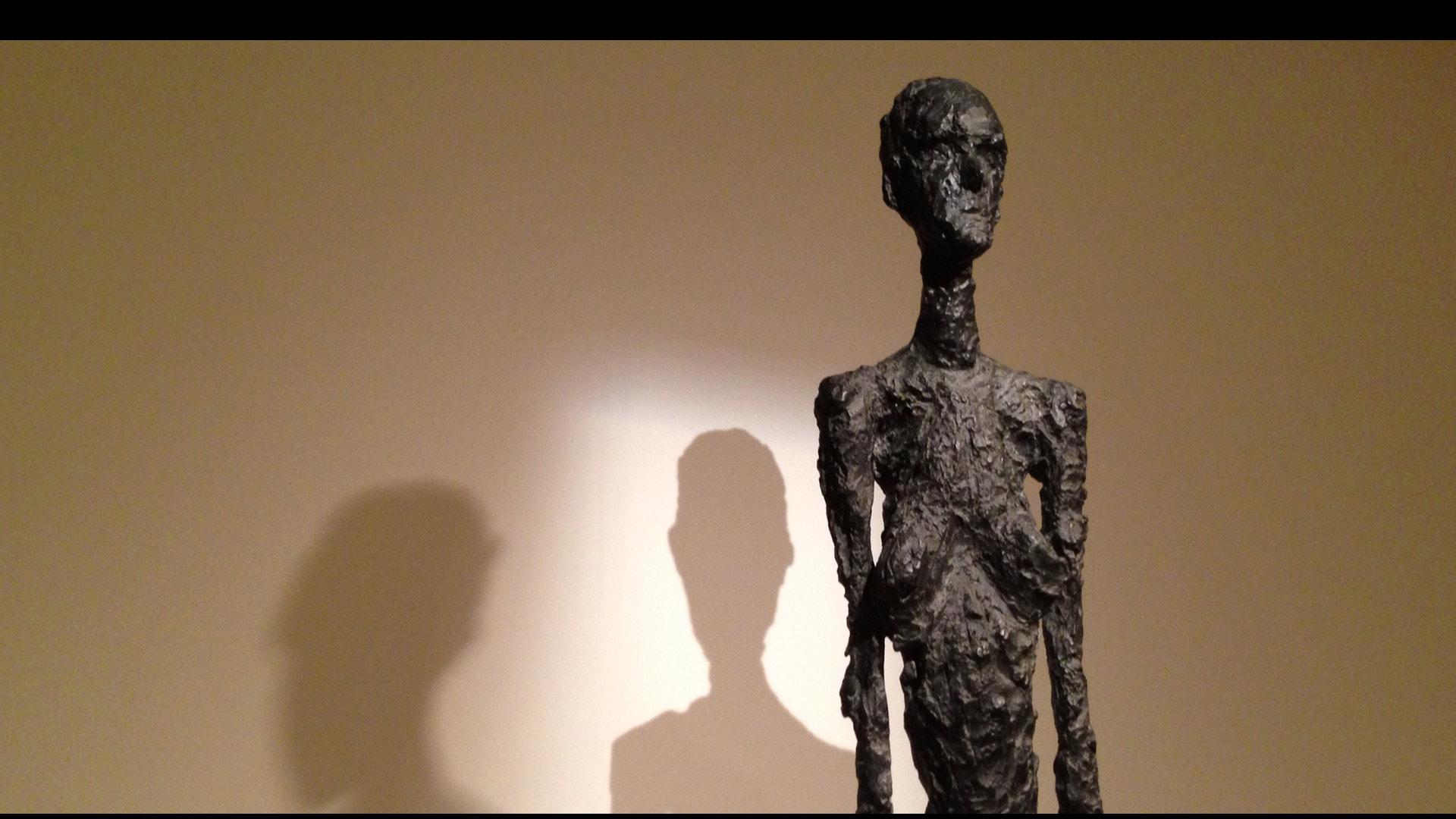 Un hombre de 65 años juzgado en Alemania confesó haber falseado esculturas del artista suizo
