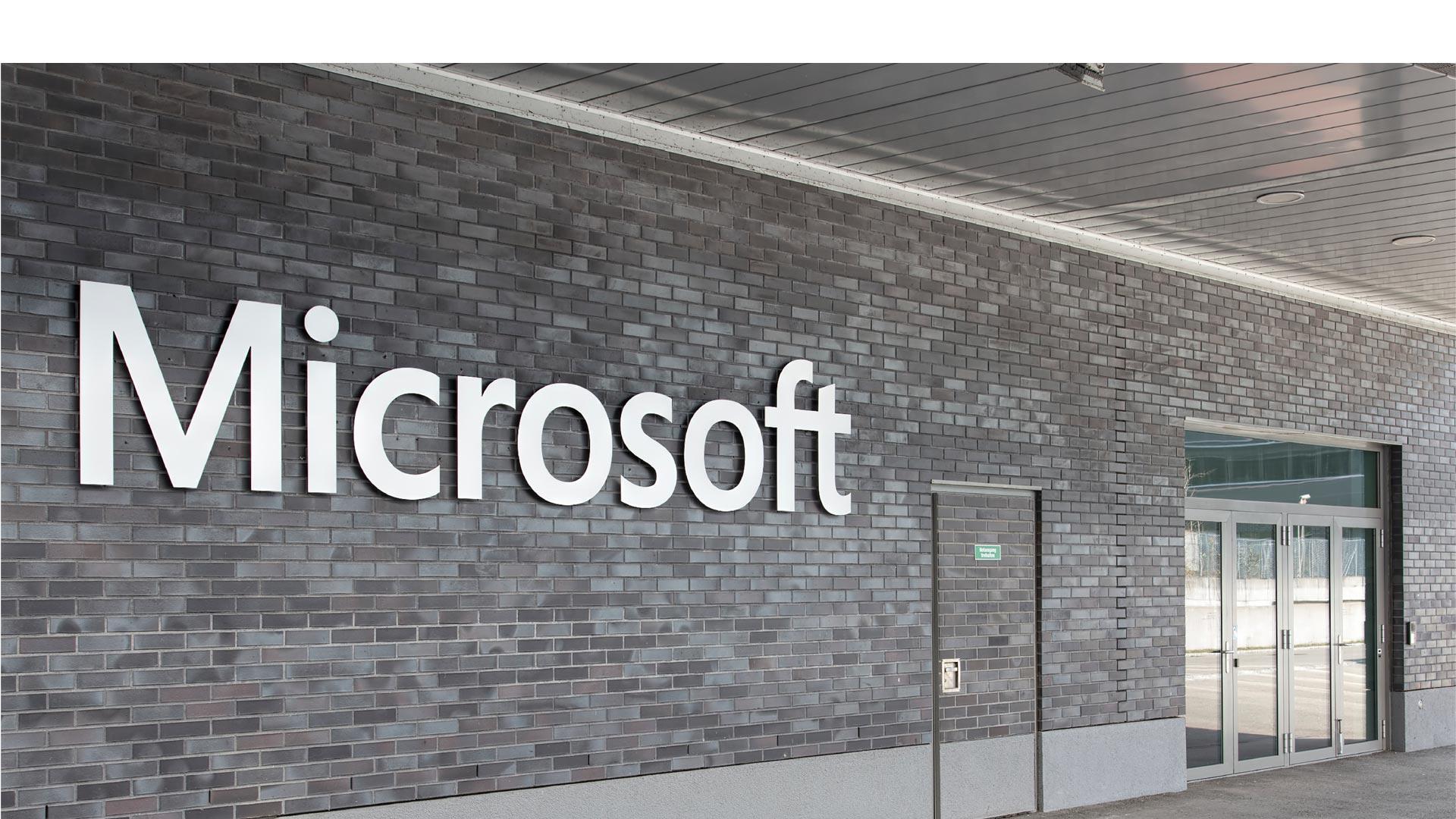 La empresa registró multimillonarias pérdidas luego de comprar Nokia