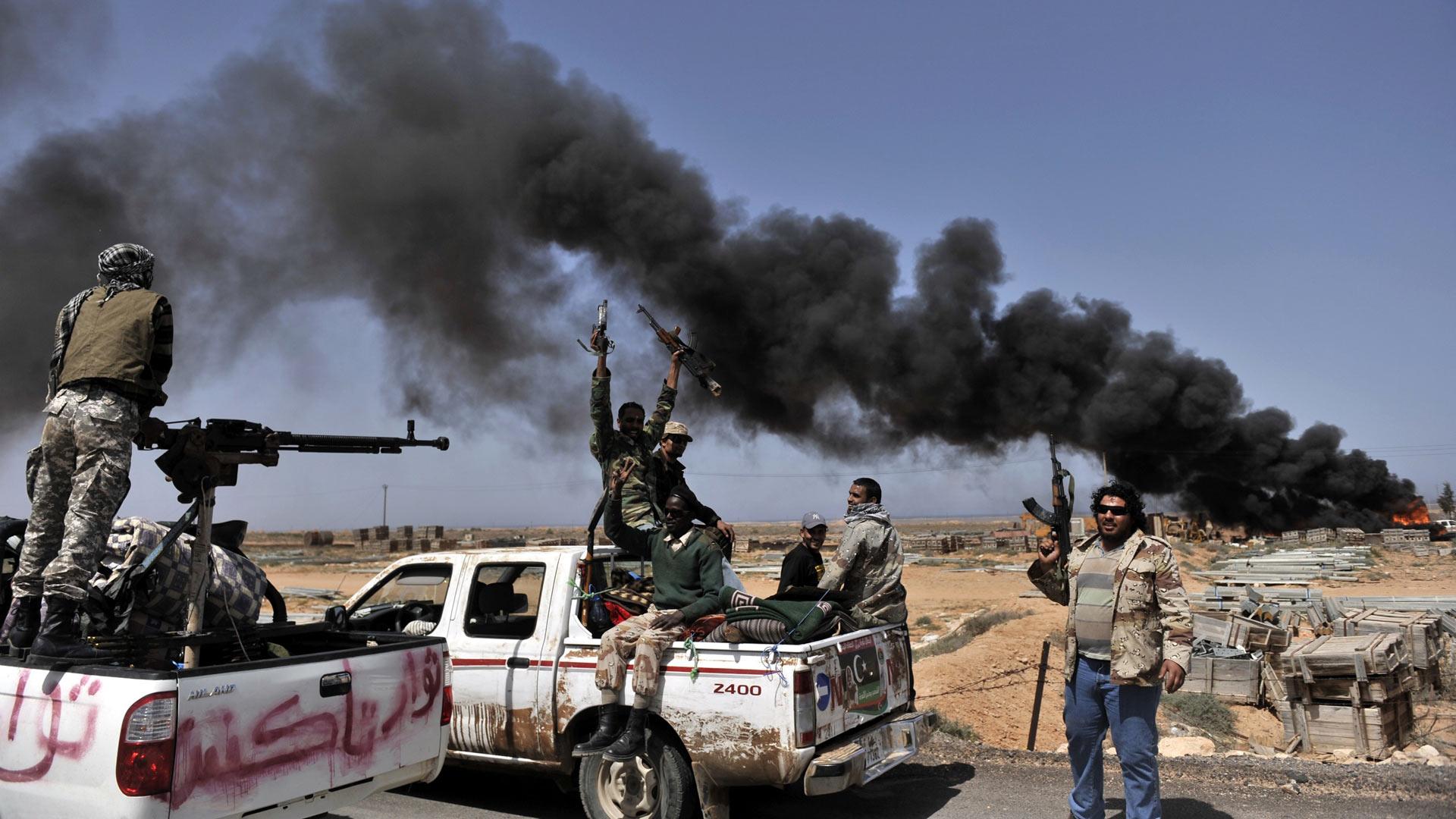Los fallecimientos se deben a tres días de combates entre el Estado Islámico y tribus de Sirte