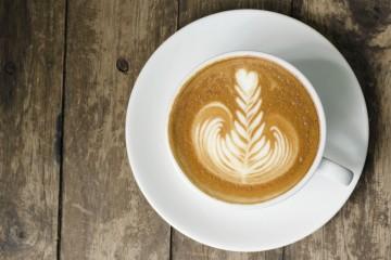 Investigadores aseguran que la cafeína reduce la recurrencia e incrementa las probabilidades de supervivencia