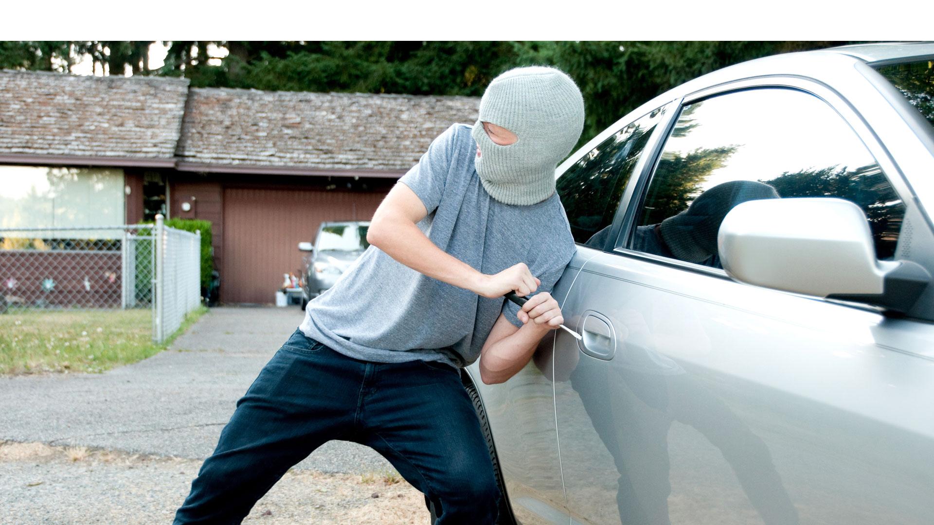 Basta con utilizar el mando cerca del vehículo y evitar así dar un margen innecesario a los ladrones activando la señal