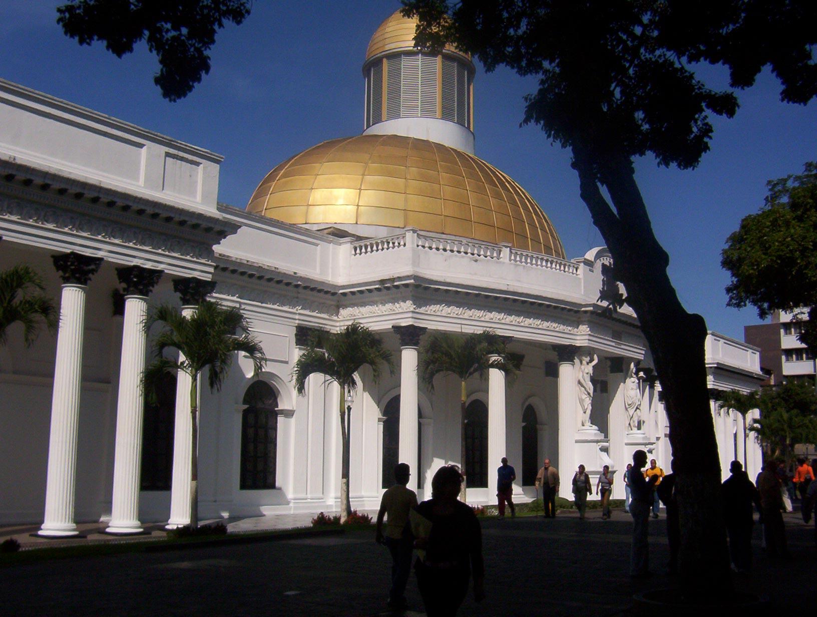 Juan Carlos Querales tenía 15 años trabajando en el área de Tecnología e Información del Palacio Legislativo