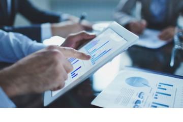 Son capaces de analizar datos y de manipularlos para resolver los problemas más importantes de la empresa en la que trabajan