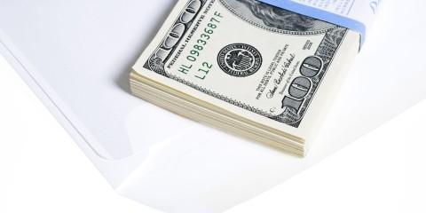 En muchos casos debido a que tiene implicaciones legales, pues el libre comercio con moneda extranjera está regulado en el país