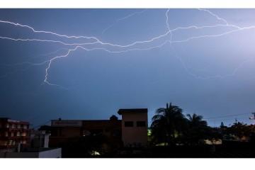 La mayoría de los vuelos fueron canceladas ante la cercanía el ciclón