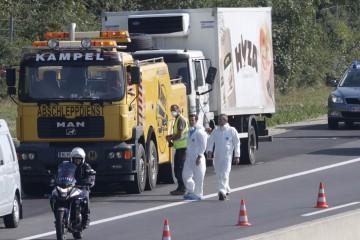 La policía de Austria encontró este jueves refugiados muertos dentro de un camión frigorífico
