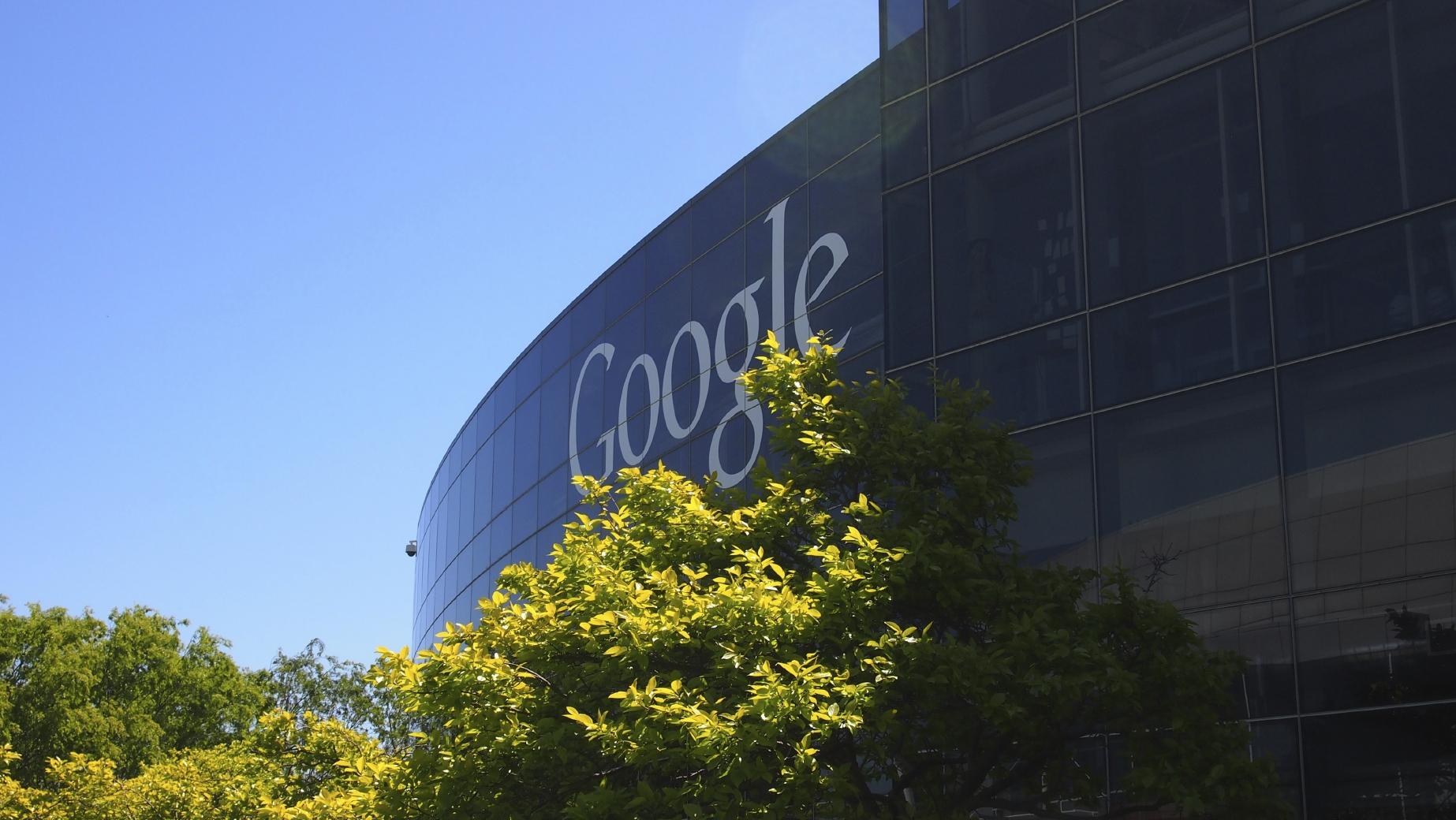 El buscador anunció una importante reestructuración por la que la empresa madre pasará a llamarse Alphabet y Google será una de sus subsidiarias