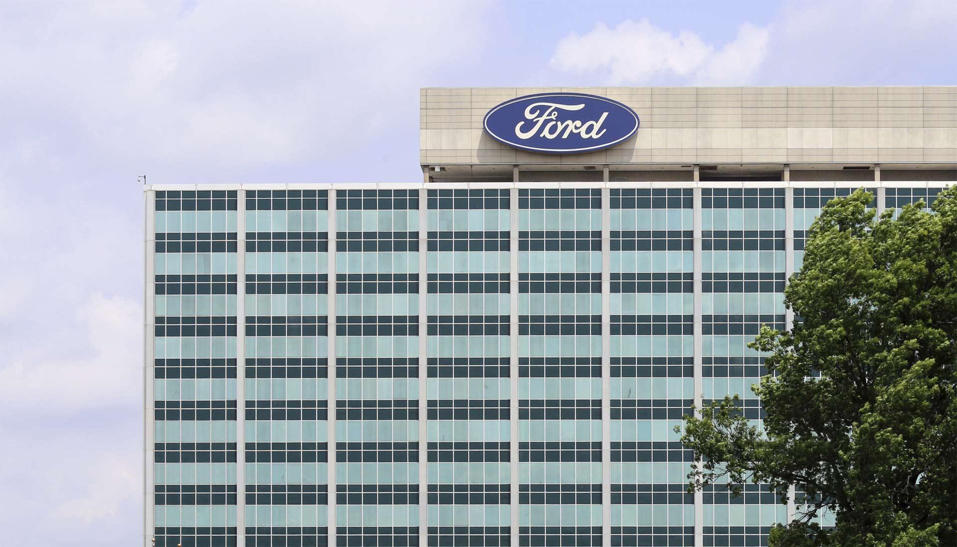 Las camionetas de trabajo pesado de Ford que se construian en México empezaron a aparecer en una línea de ensamblaje en Ohio
