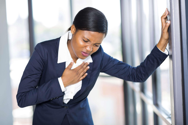 Estudios demuestran que trabajar extremadamente puede causarte un problema cardiovascular