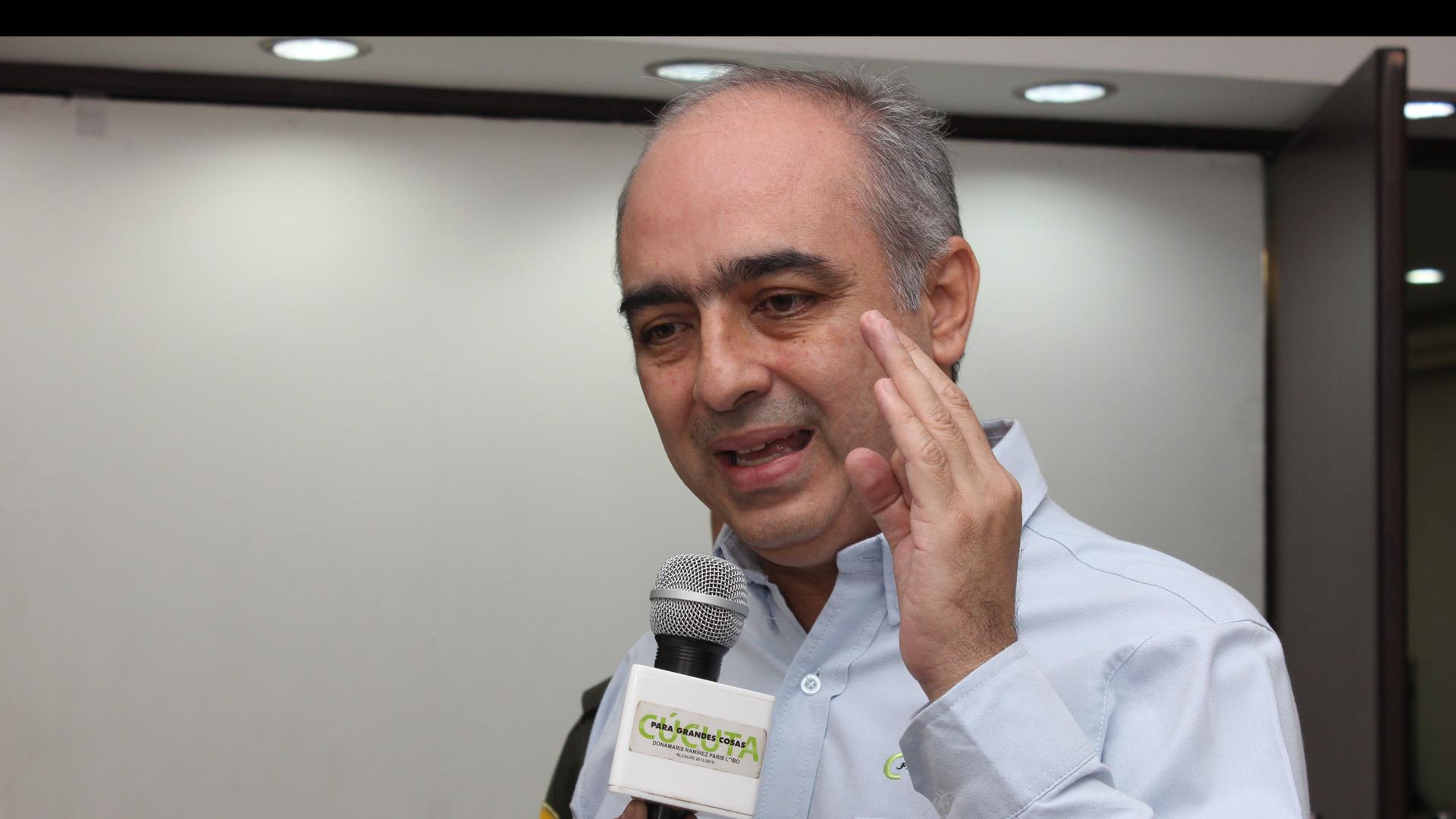 El alcalde de Cúcuta, Donamaris Ramírez, acusa al país vecino de incursiones militares en Colombia