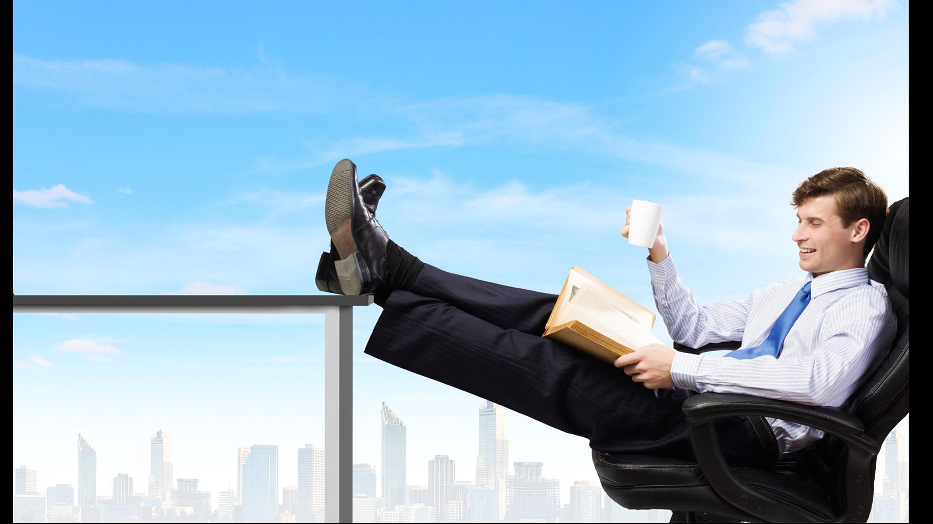 Ponte cómodo en el sofá con unas de estas lecturas que llevarán a tu empresa a su máximo potencial