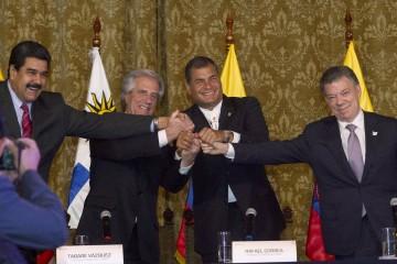 Los presidentes de Venezuela y Colombia se reunieron en Ecuador para solucionar el conflicto fronterizo
