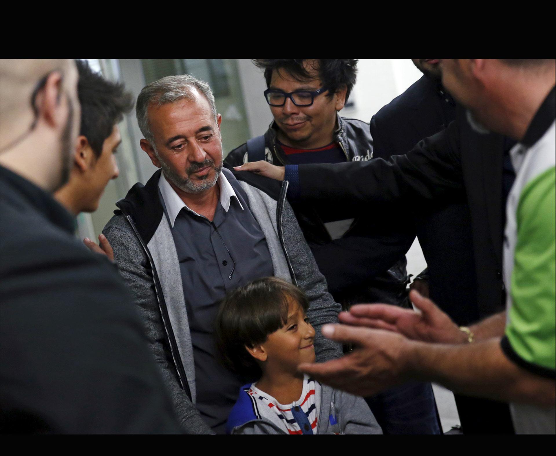 El gobierno anunció su intención de legalizar la situación en el país del refugiado cuya imagen dio la vuelta al mundo