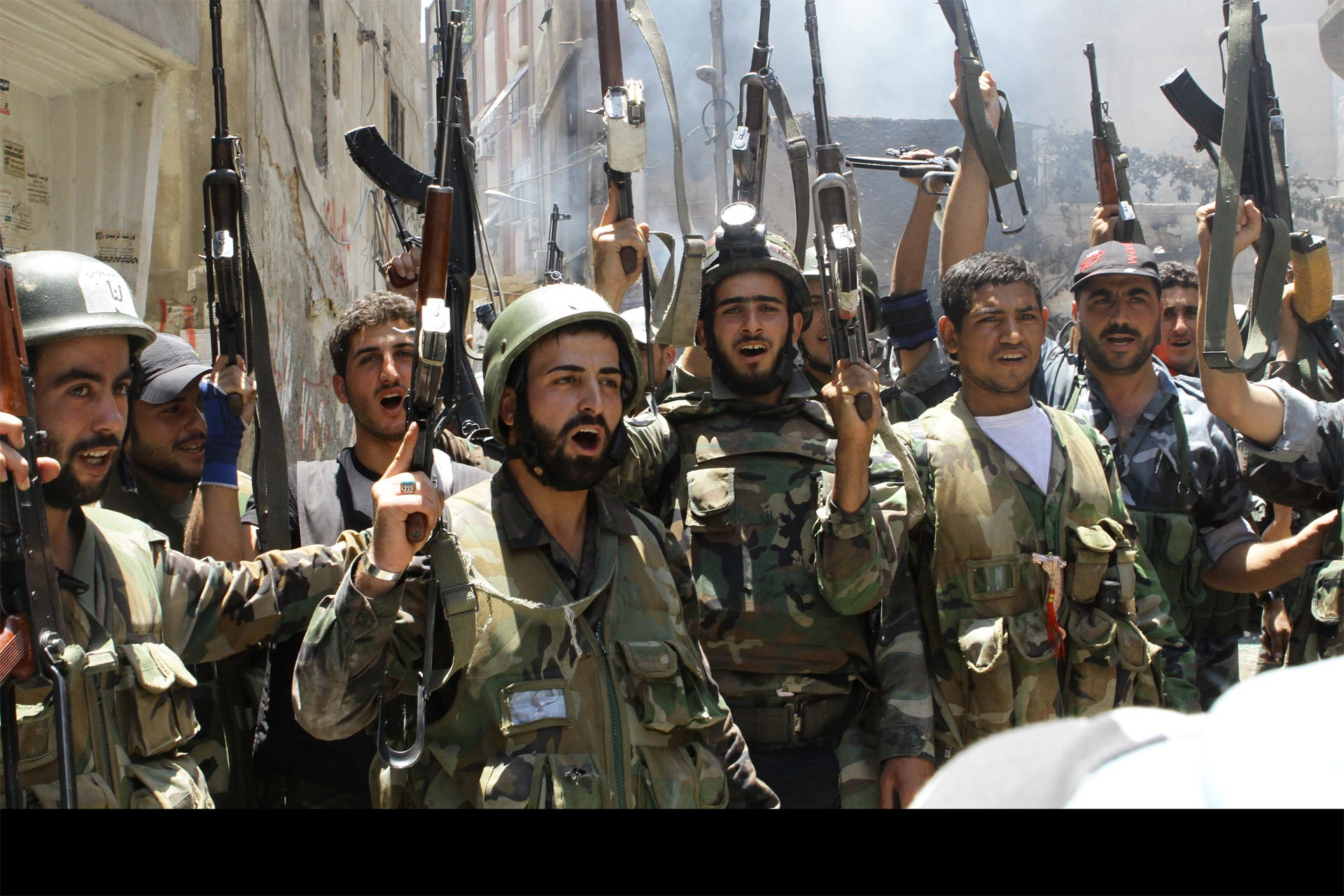 Rebeldes islamistas ejecutan a soldados sirios