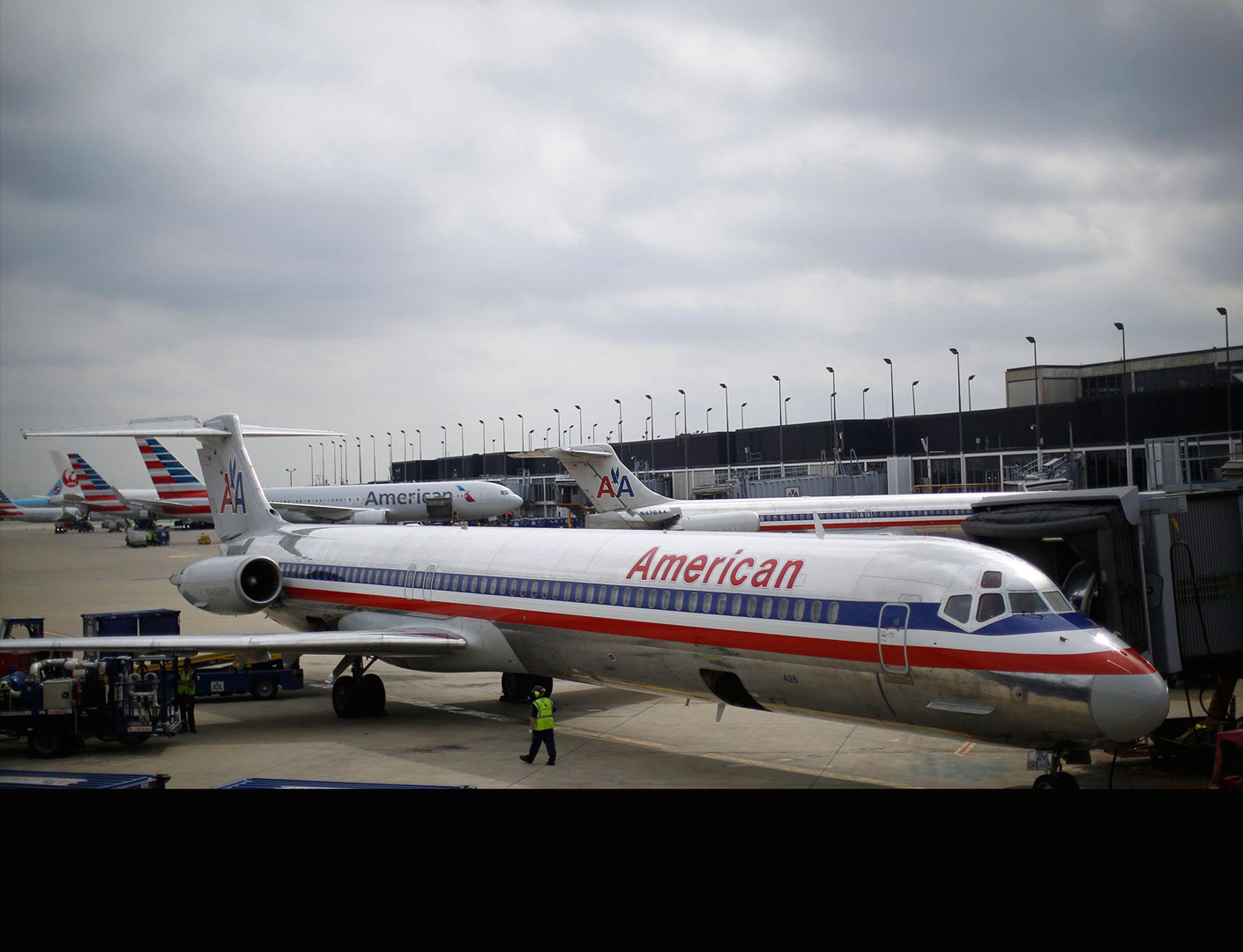 Un avión de American Airlines debió modificar este lunes su ruta y aterrizar de emergencia por fallecimiento del capitán
