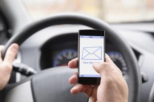 Mensajear al volante es la causa del 25% de los accidentes automovilísticos