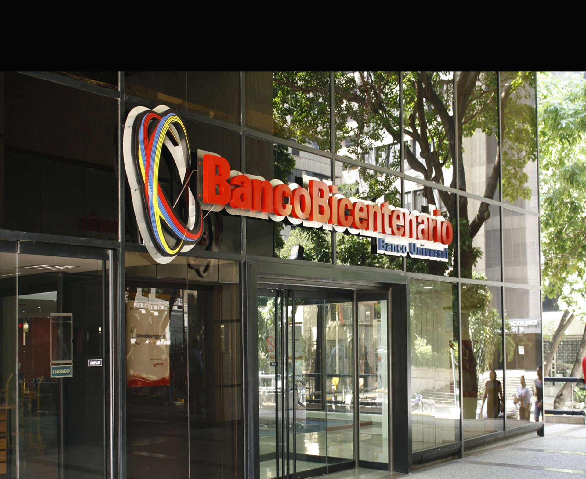 El gerente de seguridad del banco Bicentenario detectó varias irregularidades por parte de dos investigadores regionales