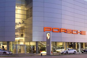 Carros de Porsche deben ir al taller