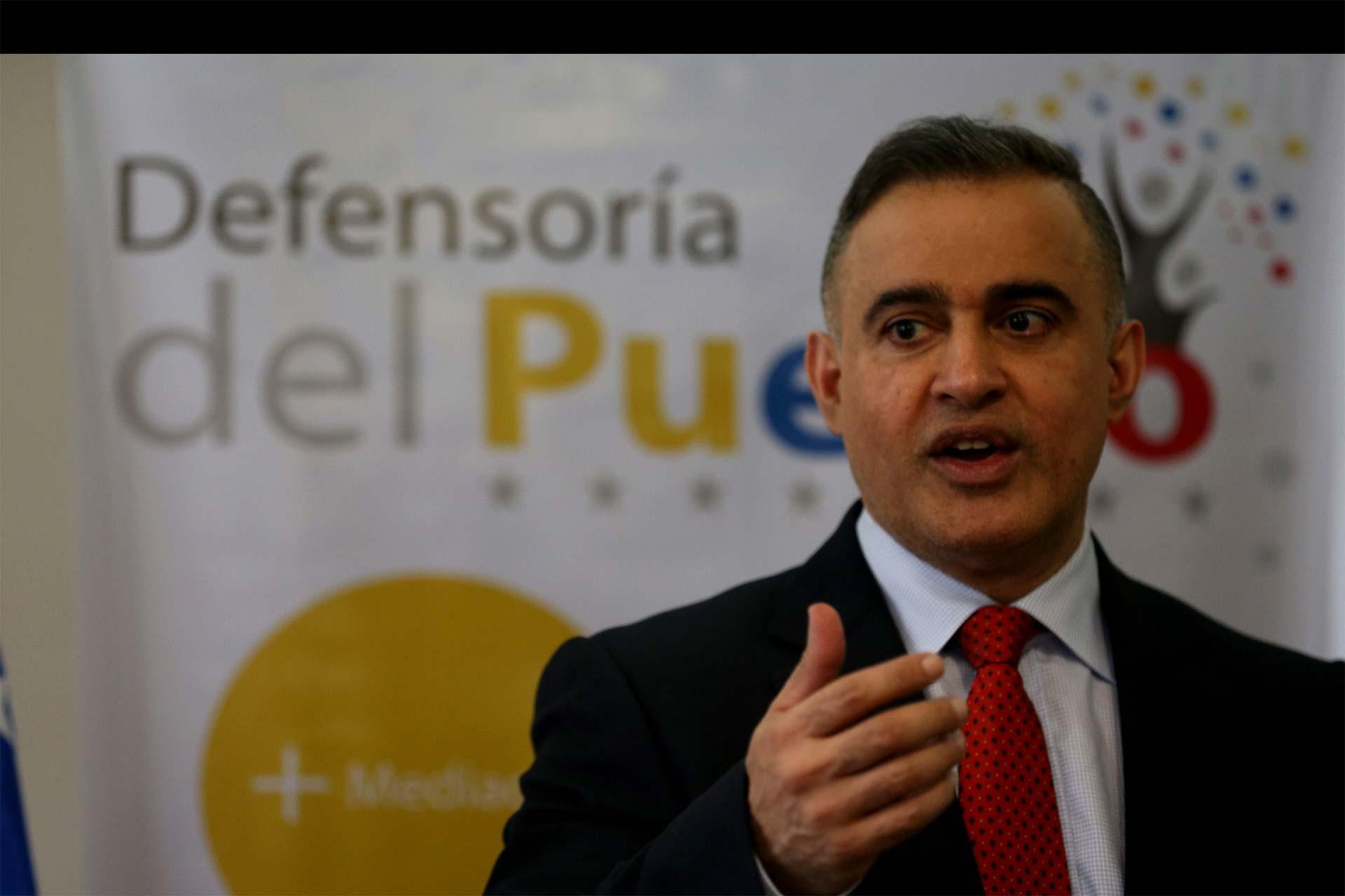 Defensor del pueblo fue retenido en México