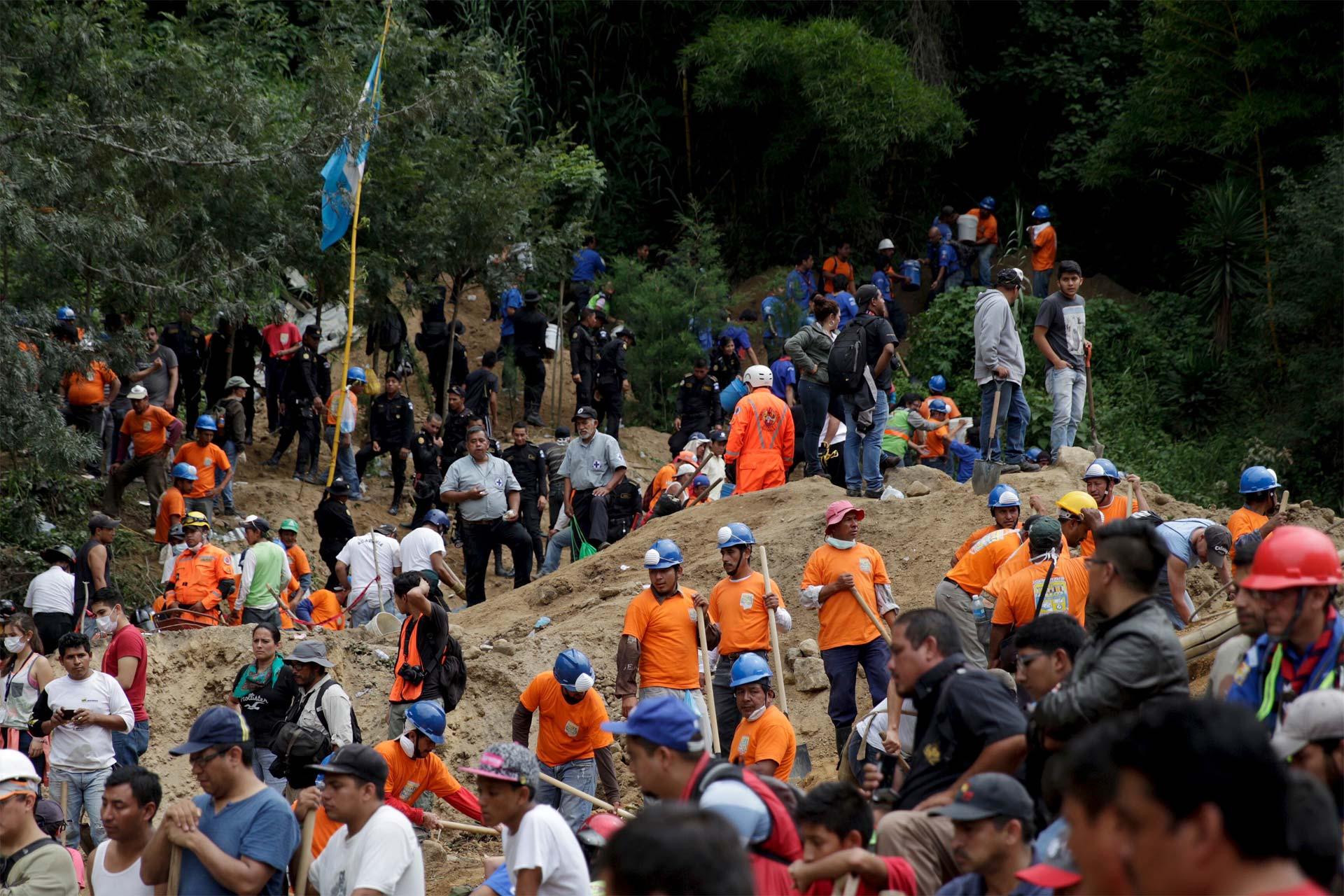 Casi 60 fallecidos y más de 300 desaparecidos en Guatemala