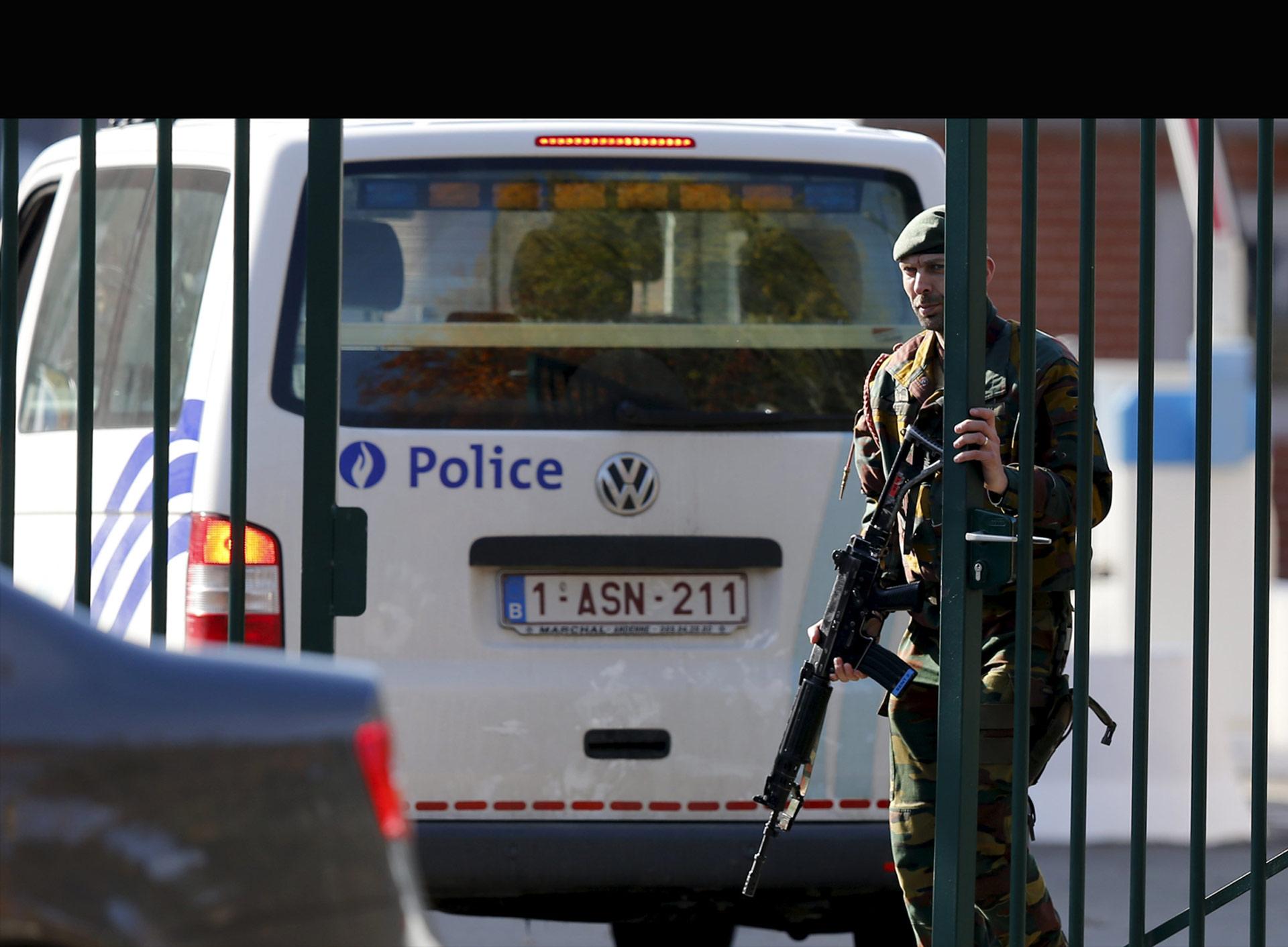 El auto del atacante será registrado en el transcurso del día, pues aún no se se descarta que contenga explosivos