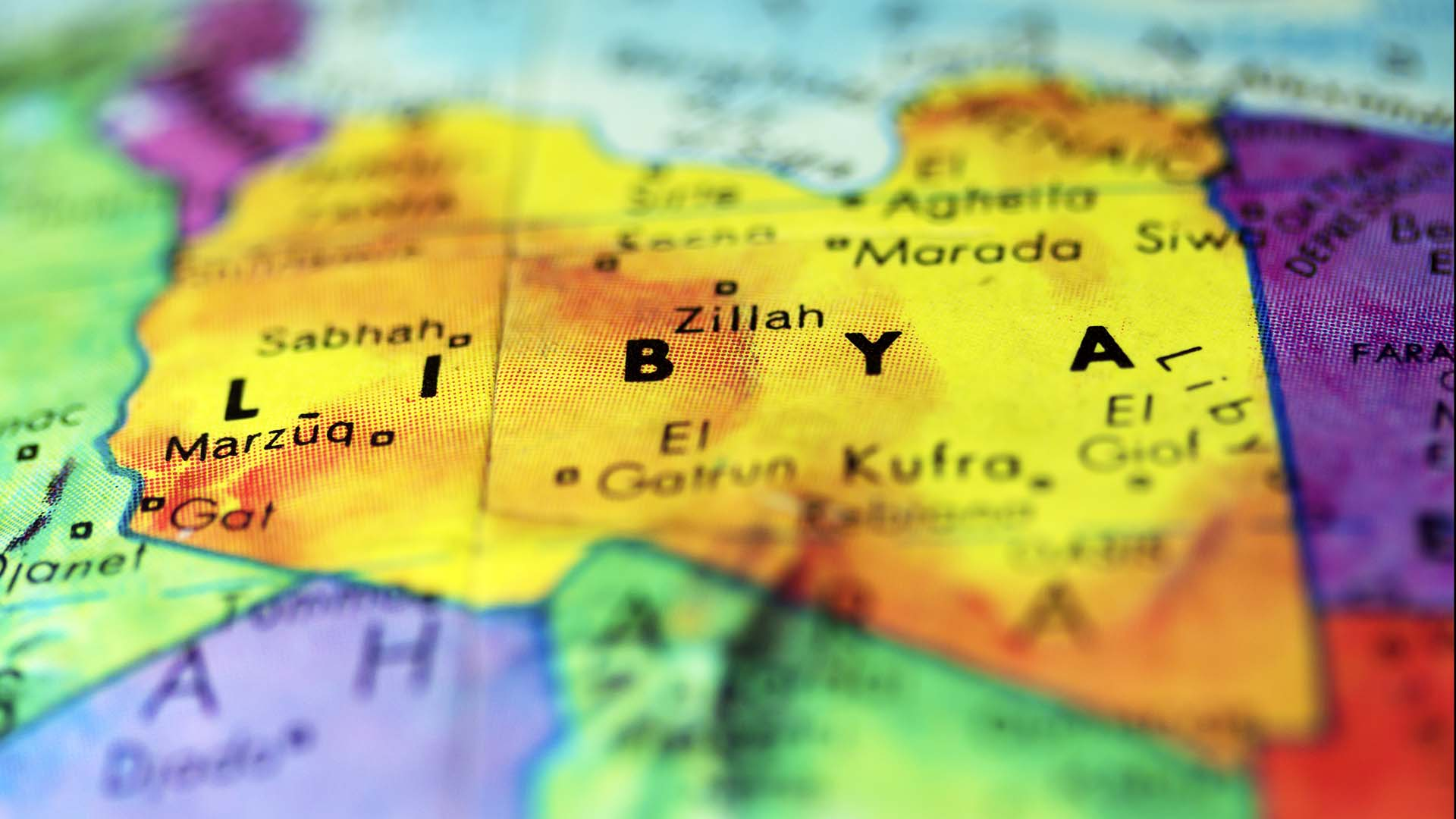 Los cuerpos fueron encontrados en la costa al este de Trípoli, capital libia