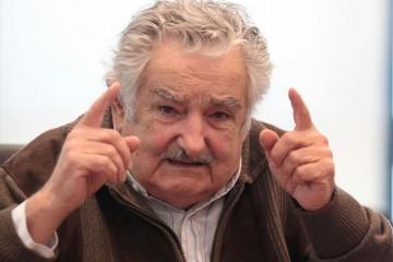El ex presidente de Uruguay comprometió a colaborar con Colombia, tras la propuesta hecha por las FARC