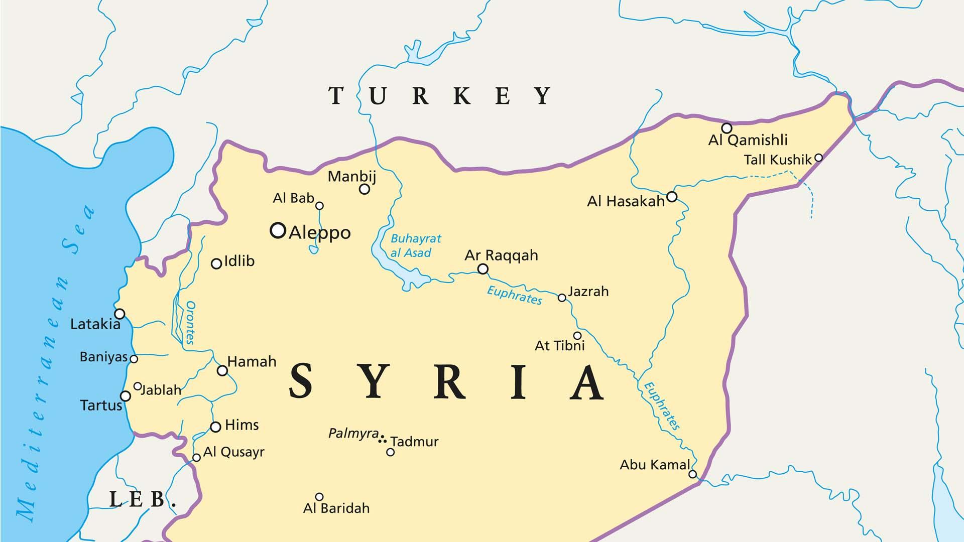 Kurdos crean zona autónoma en la frontera para mantener la expulsión del EI