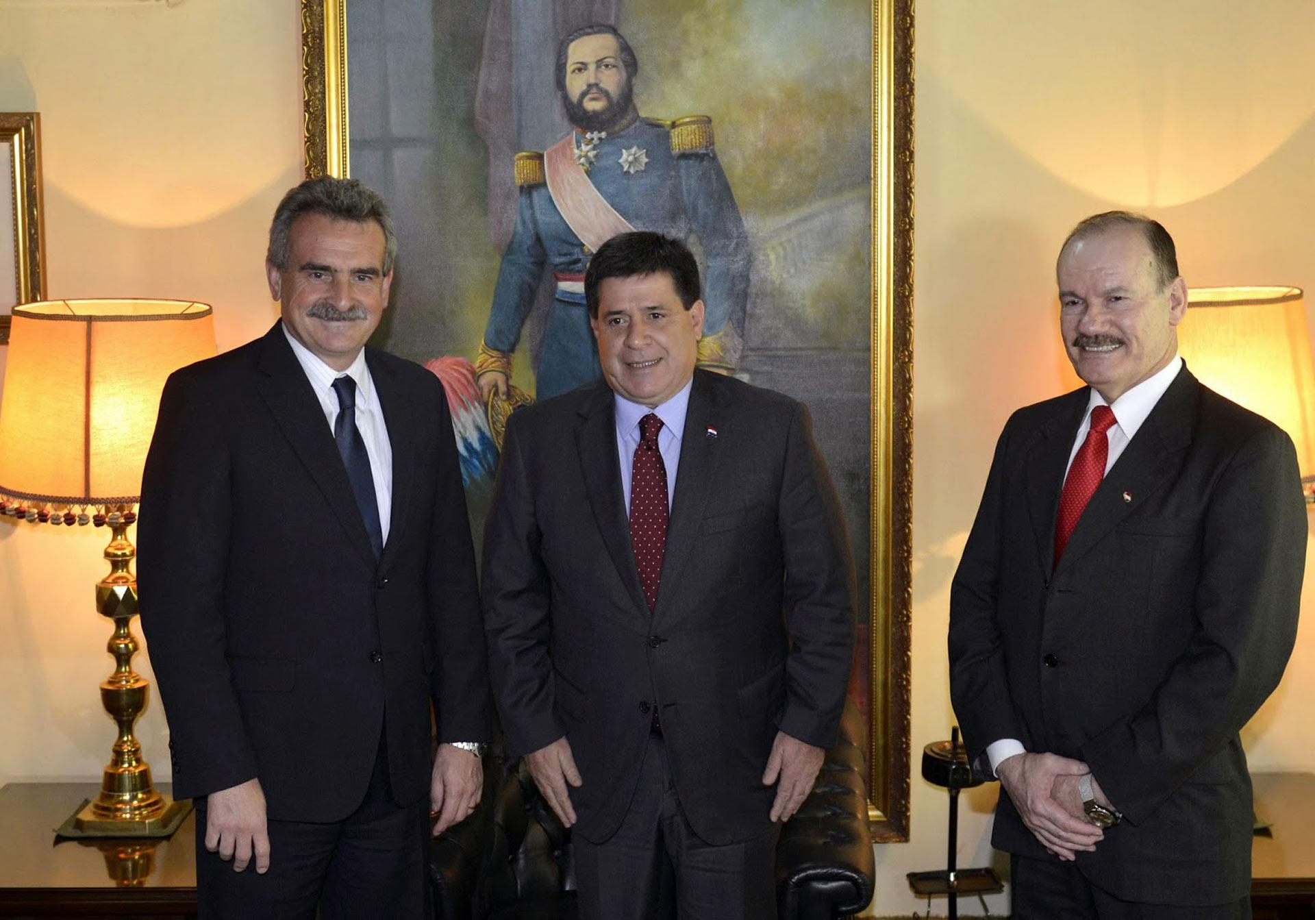 """El ministro de Defensa de Paraguay se siente """"agredido en su dignidad"""""""
