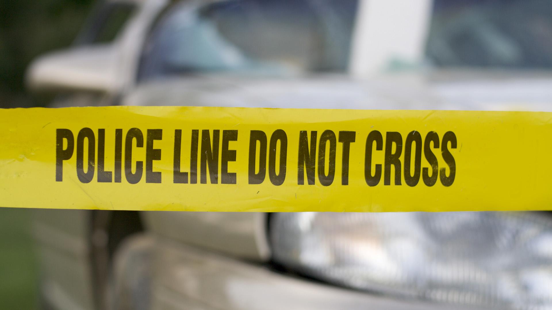 La policía no encontró rastros de violencia para ingresar a la casa por lo que se sospecha que el fallecido conocía a su asesino