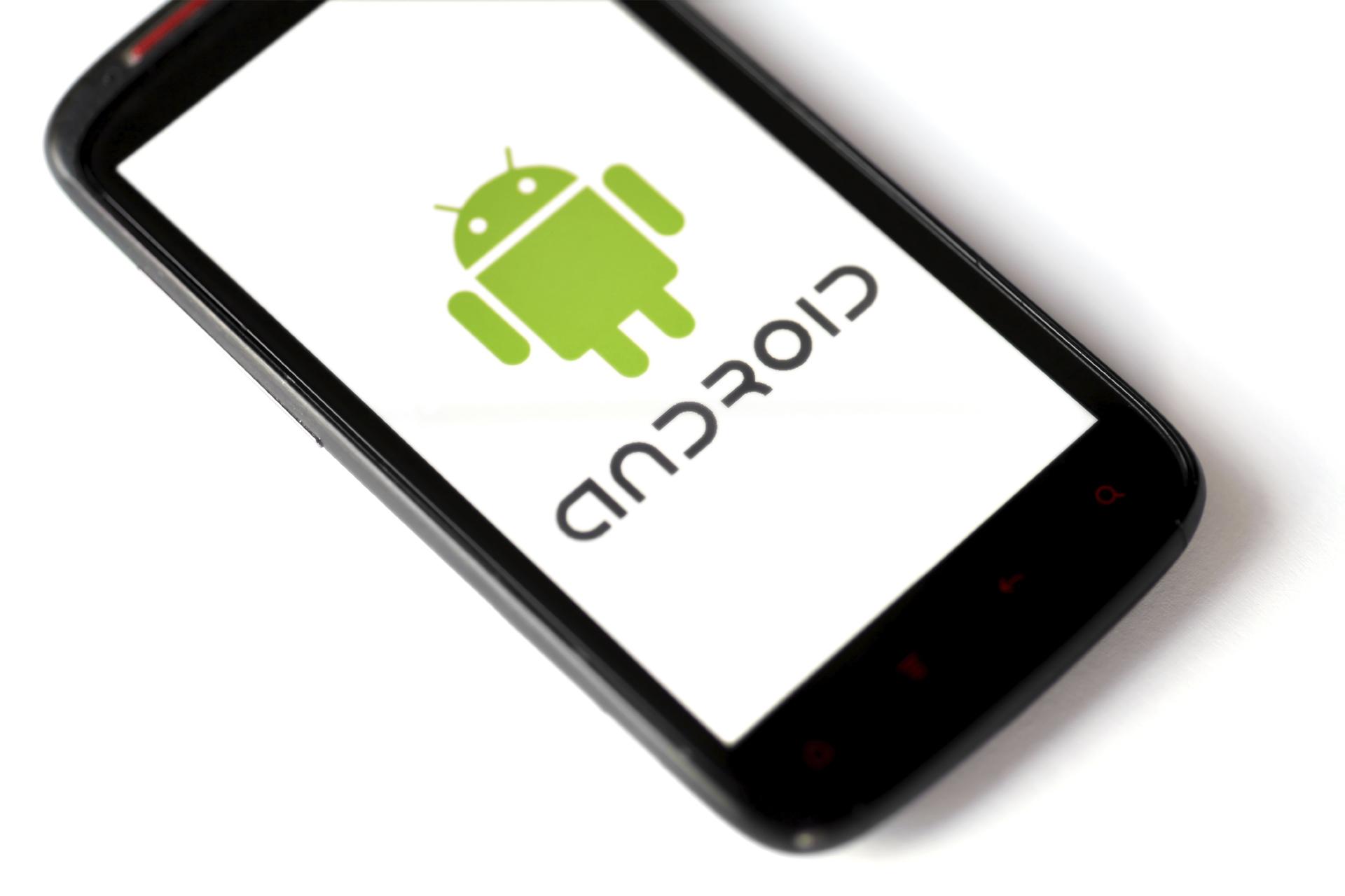 La mayoría de los suscriptores utilizan Android y Blackberry OS en sus teléfonos
