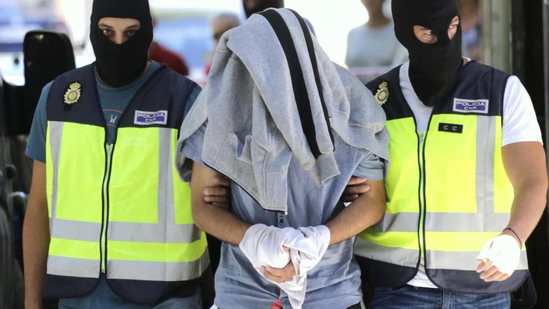 Tres marroquíes radicados en España fueron detenidos por presuntamente estar vinculados con el EI