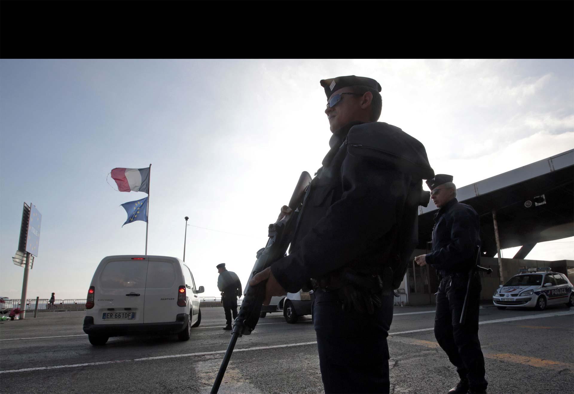 Luego de los atentados en París, las fuerzas de seguridad han reforzado las fronteras