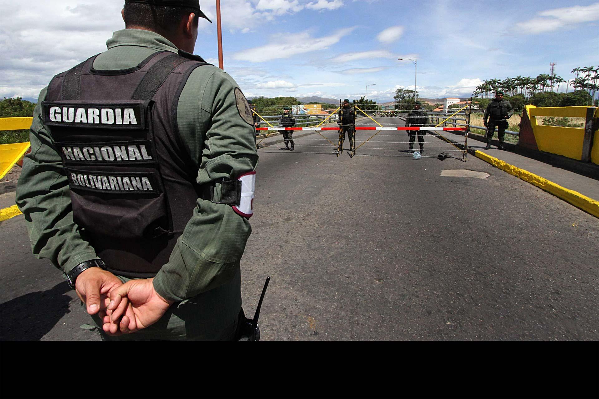 Cuatro GNB detenidos por extorsión