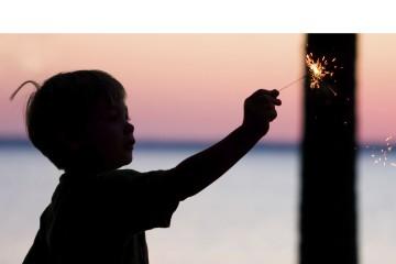 El objetivo principal es recordar las consecuencias del mal uso de los fuegos artificiales