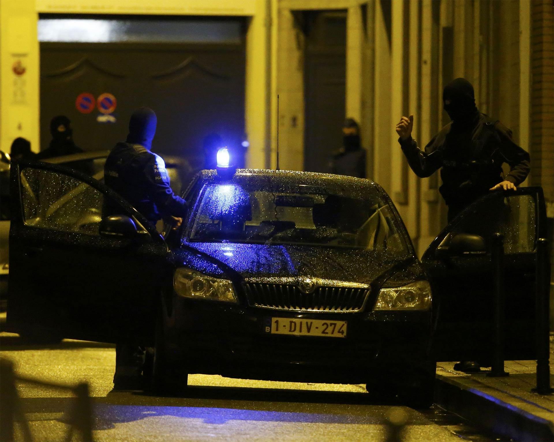 La policía registró viviendas de familiares de Bilal Hadfi, atacante suicida de París