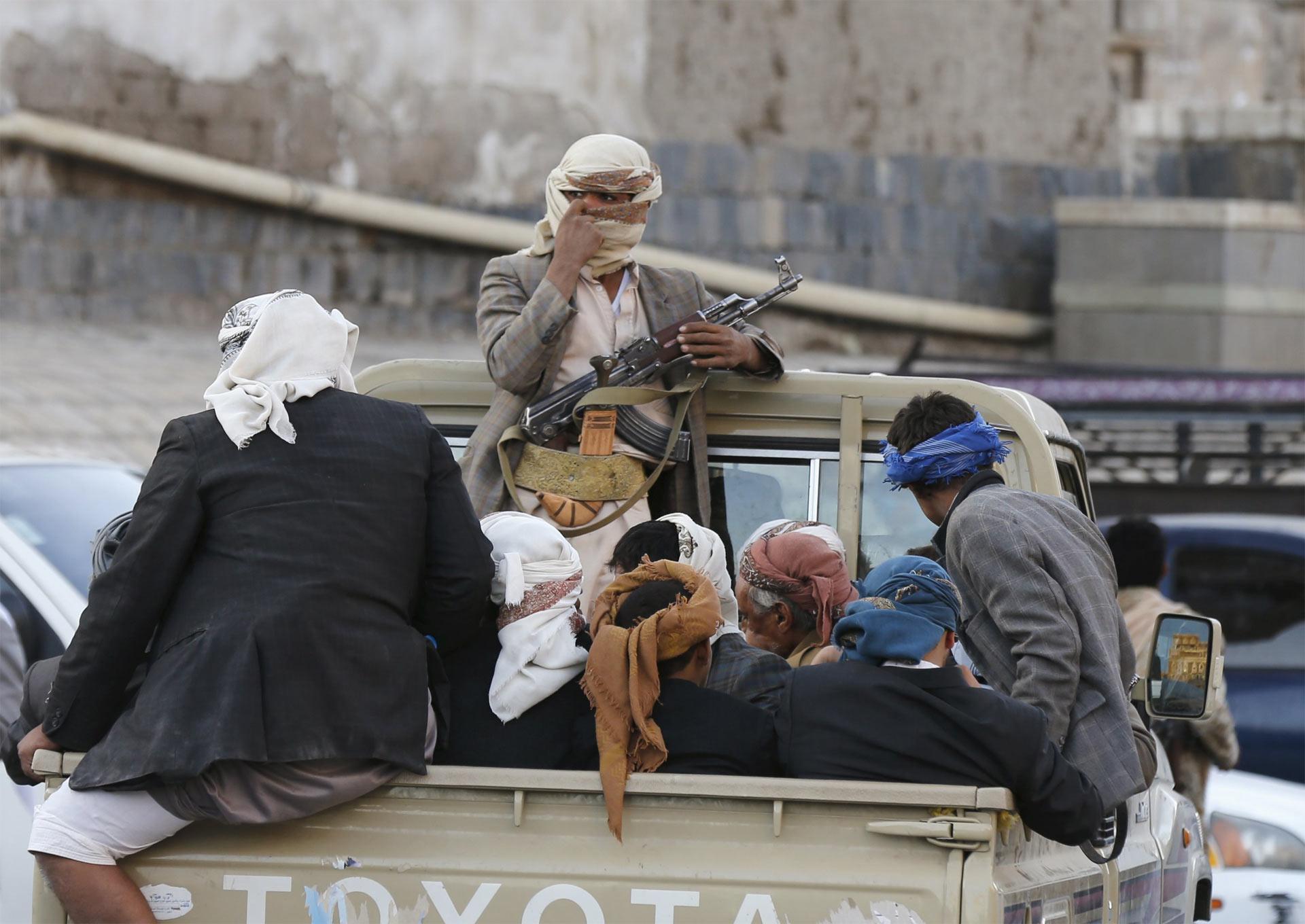 Los enfrentamientos en Yemen dejaron más de 30 soldados heridos