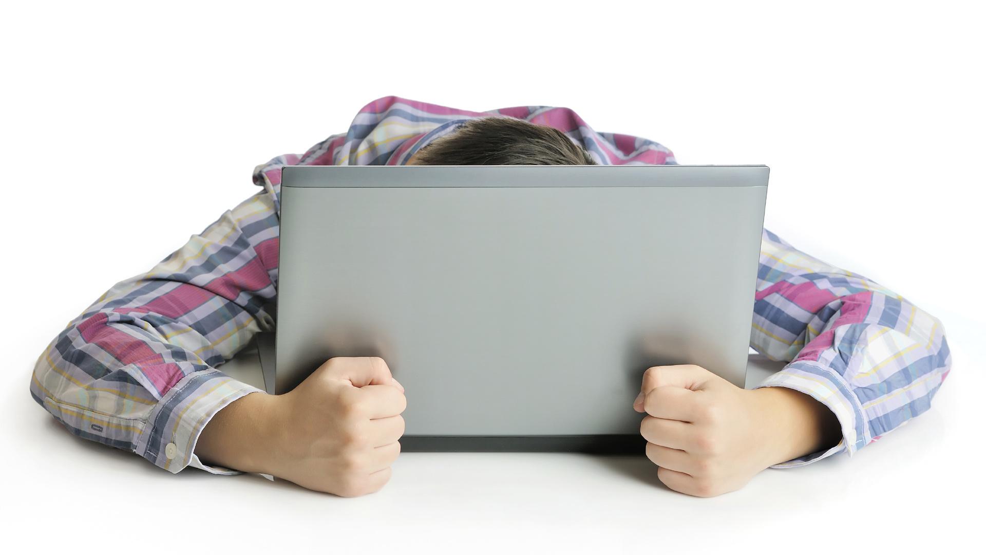 No poseer una conexión estable impide el desarrollo intelectual, al imposibilitar la obtención de información o videos educativos