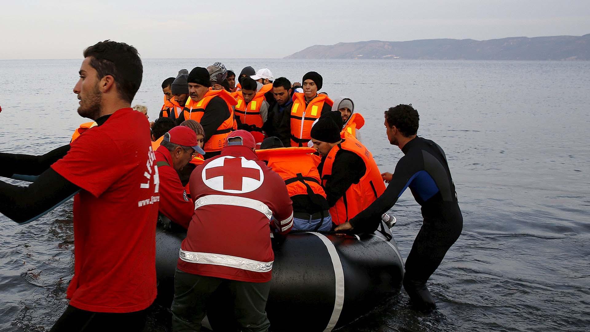 En un operativo conjunto se logró el rescate de 1.984 personas que permanecían en el Mediterráneo
