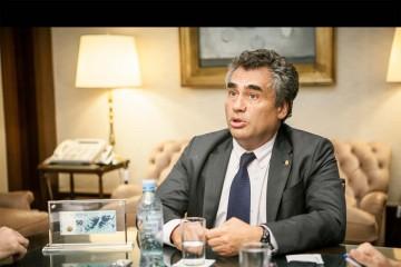 Alejandro Vanoli enfrenta una denuncia penal en su contra por presunta defraudación a la administración pública