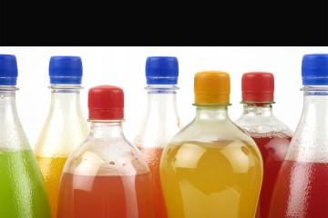 Las bebidas gaseosas y azucaradas tendrán que informar sobre efectos negativos sobre la salud de los consumidores en su presentación