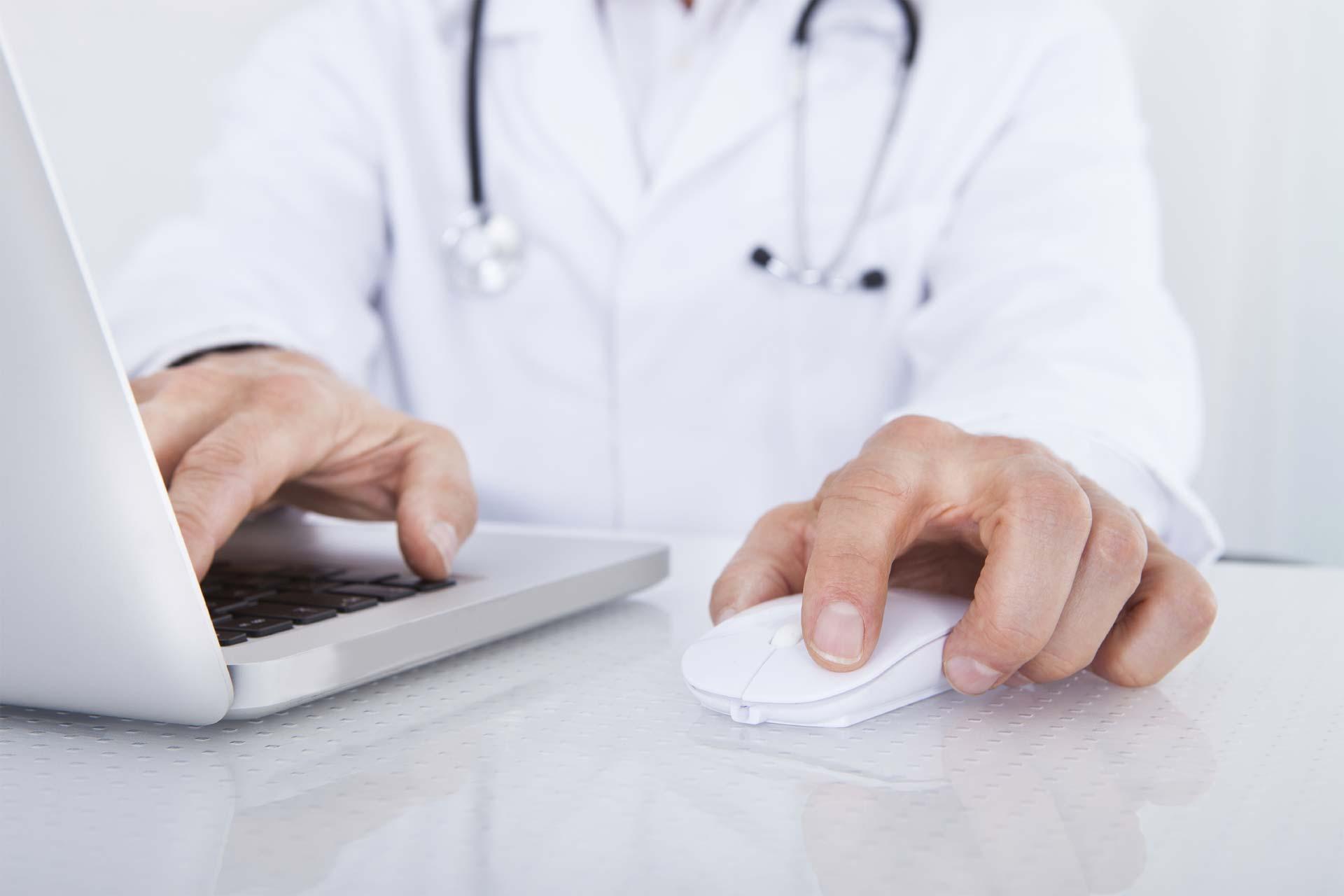 La web, recientemente lanzada, permite a usuarios encontrar a profesionales en medicina acorde a sus necesidades