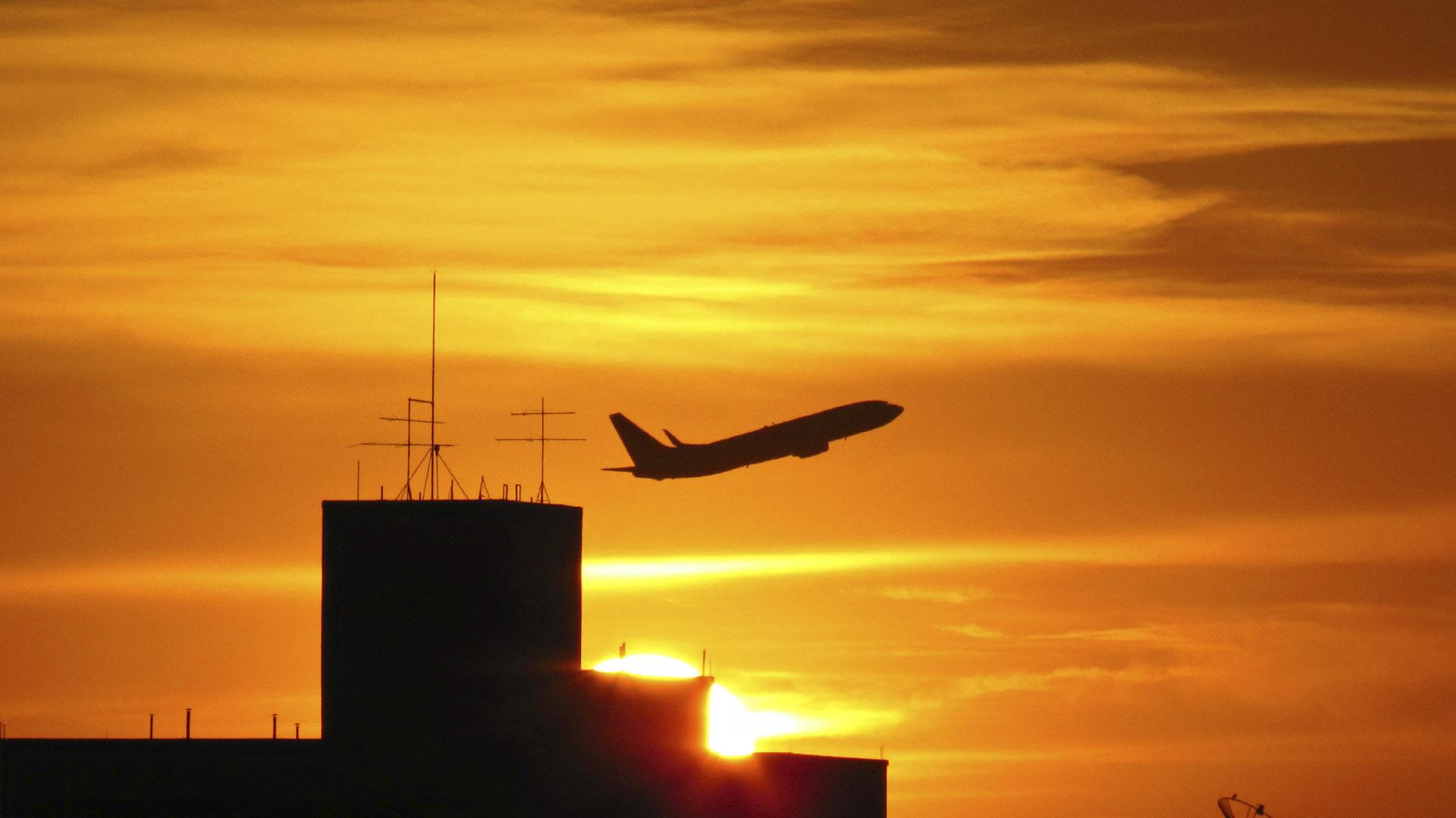 En seis meses de operaciones en el país, la aerolínea estadounidense transportó a más de 30 mil pasajeros